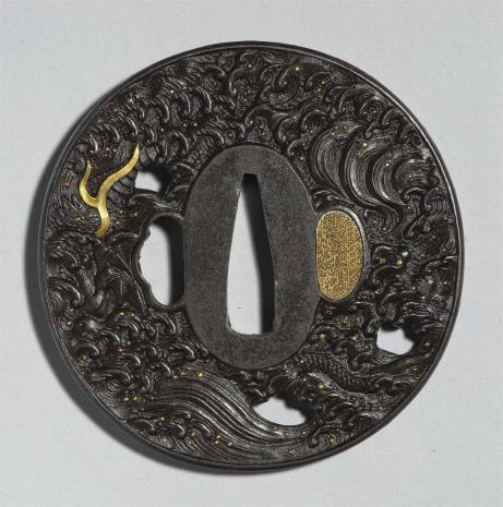 Hidetomo, Tsuba z przedstawieniem smoka w falach