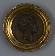 Medalion z popiersiem Adama Mickiewicza