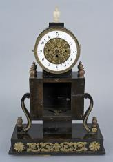 Zegar w stylu empirowym