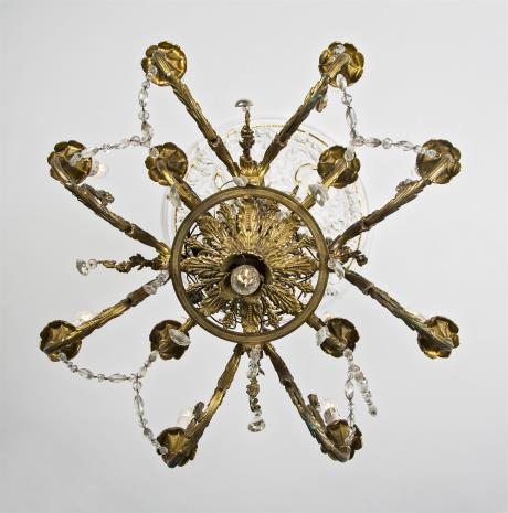 nieznany, Żyrandol kryształowy w stylu Ludwika XVI