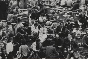 Reportaż: Gdańsk - sierpień 80 (Czekający)