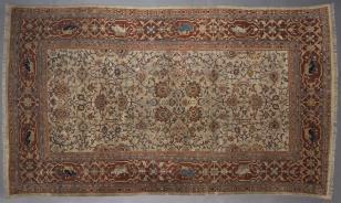 Biały dywan z motywami wschodnimi