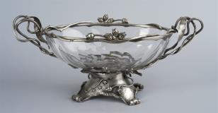 Patera kryształowa z okuciem srebrnym z motywem lilii wodnych
