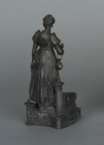 nieznany, Statuetka kobiety przy balustradzie