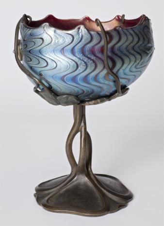 nieznany, Puchar w kształcie konchy