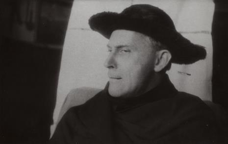 Władysław Jan  Grabski, Stanisław Ignacy Witkiewicz w futrzanym kapeluszu, z cyklu: Sceny imaginowane – seans fotograficzny