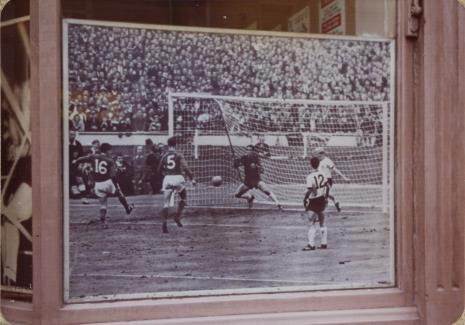 Derek Boshier, Piłka nożna – Londyn, z serii: Trasy