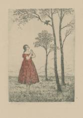 Dziewczyna stojąca pod drzewem, słuchająca śpiewu ptaka