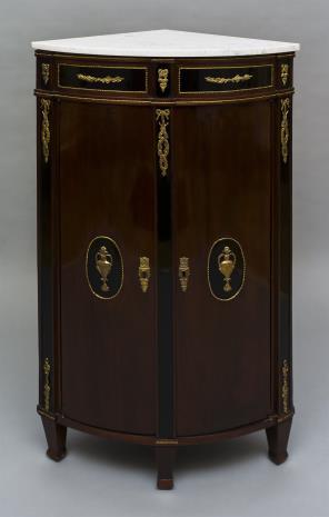 nieznany, Szafka kątowa w stylu Ludwika XV
