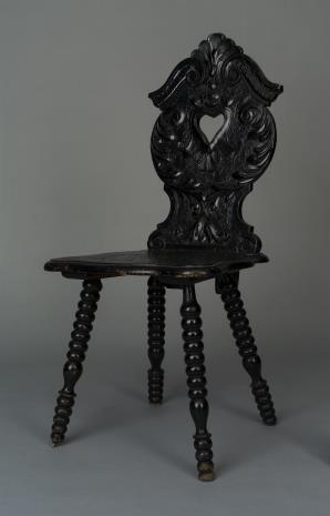 nieznany, Krzesło rzeźbione, czarne