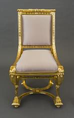 Krzesło w stylu empirowym