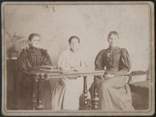 Portret trzech kobiet