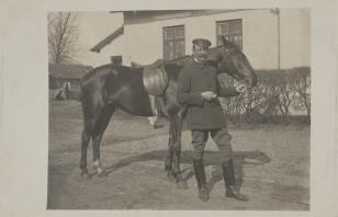 Mężczyzna z koniem