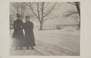 Kobiety na śniegu