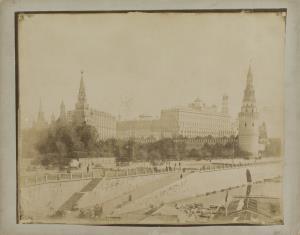 Widok Kremla znad rzeki