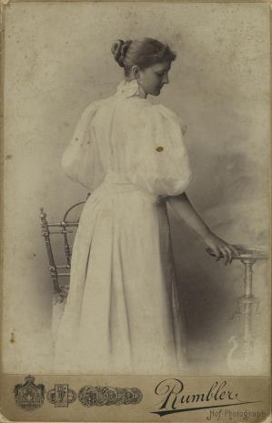 Rumbler, Portret kobiety