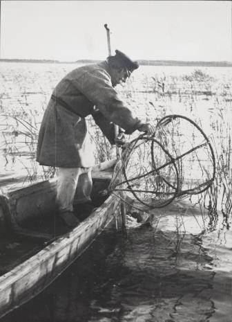 Józef Szymańczyk, Rybak na łodzi