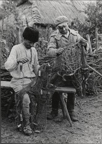 Józef Szymańczyk, Dwaj chłopi naprawiający sieci