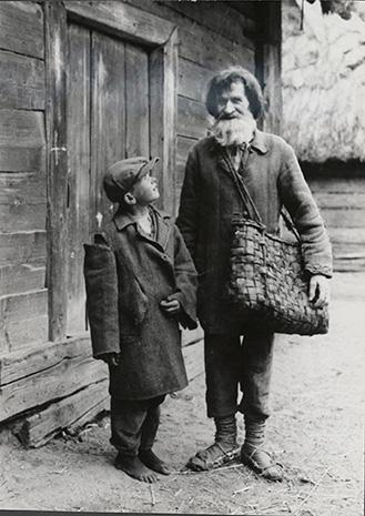 Józef Szymańczyk, Chłop i chłopiec przed chatą