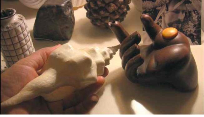Antje Majewski, Ręka, która daje. Rozmowa między Alejandro Jodorowsky i Antje Majewski, Paryż 2010 [ La main qui donne. Conversation entre Alejandro Jodorowsky et Antje Majewski, Paris 2010]