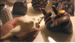 Ręka, która daje. Rozmowa między Alejandro Jodorowsky i Antje Majewski, Paryż 2010 [ La main qui donne. Conversation entre Alejandro Jodorowsky et Antje Majewski, Paris 2010]