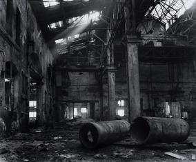 Zrujnowana hala Stoczni Gdańskiej, z cyklu: Przedmieścia Gdańska, 1997-2004