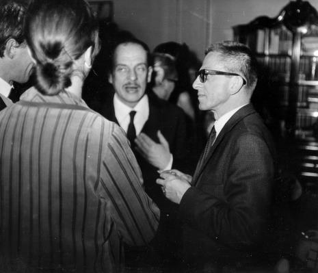 W środku Antoni Starczewski, obok dyr. Ryszard Stanisławski