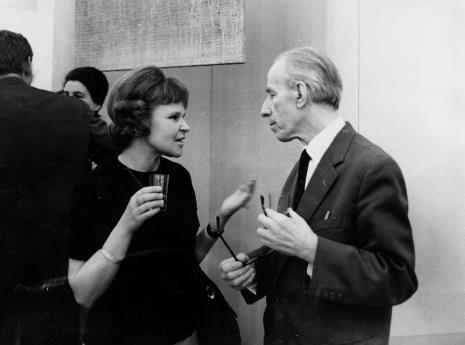 Janina Ładnowska (Dział Sztuki Nowoczesnej) w rozmowie z Konstantym Mackiewiczem