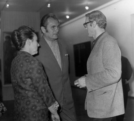 Od lewej Regina Marquardt (Dział Realizacji Wystaw i Wydawnictw), Lech Kunka, Tadeusz Byczko (Miejski Konserwator Zabytków)