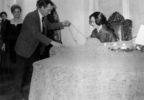 Od lewej Urszula Czartoryska (Dział Fotografii i Technik Wizualnych), Anna Łabęcka (Dział Sztuki Nowoczesnej), Tadeusz Witold Wolański (PWSSP w Łodzi), Aiko Miyawaki