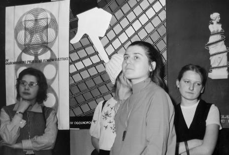 Laureaci konkursu, pierwsza z prawej Anna Zioło, I nagroda