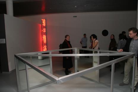 W środku Gabriela Niedzielska (Galeria 86 w Łodzi)