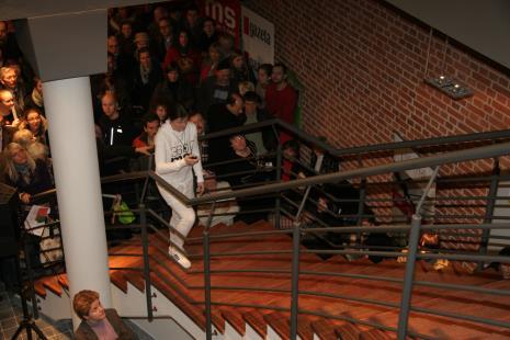 Julita Wójcik przed rozpoczęciem performance Bieg na 3600 ms2
