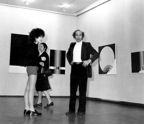 Od lewej córka artysty, Ewa Urszula Wilczur-Garztecka (Trybuna Ludu), Eugenio Carmi