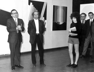 Od lewej dyr. Ryszard Stanisławski, Eugenio Carmi, córka artysty, Bolesław Utkin, prof. Janusz Hereźniak (Uniwersytet Łódzki i Łódzkie Towarzystwo Fotograficzne)