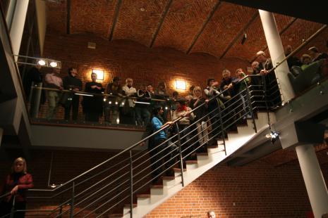 """""""Muzeum Dźwięków"""" – inauguracja projektu Filharmonii Łódzkiej dla Muzeum Sztuki. Wykonanie kompozycji """"Rothko Chapel"""" (1971) Mortona Feldmana na chór, altówkę, czelestę i perkusję pod dyr. Macieja Salskiego"""