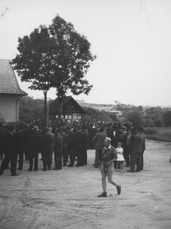 Na pierwszym planie autor zdjęć druh Jerzy Miecznikowski