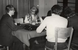 Dyr. Ryszard Stanisławski i red. Jadwiga Sakowicz (Głos Robotniczy)