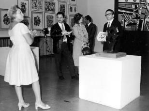 Od lewej Anna Łabęcka (Dział Sztuki Nowoczesnej), red. Henryk Pawlak (Express Ilustrowany), red. Lucyna Hoszowska (Dziennik Łódzki), Petr Hartmann (Národni Galerie Praha), dyr. Ryszard Stanisławski
