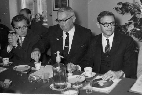 Od lewej Tadeusz Olejnik, Zbigniew Ciekliński (Konserwator Zabytków), Tadeusz Byczko (ms)