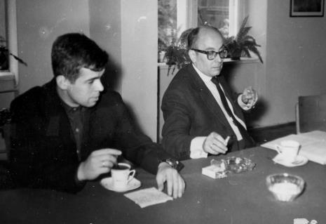 dr Jacek Ojrzyński (Dział Dokumentacji Naukowej) i kustosz Mieczysław Potemski (Dział Sztuki Dawnej)