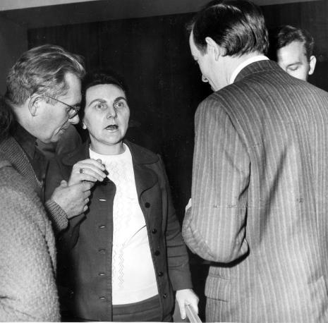 Od lewej Bolesław Utkin i Regina Marquardt (Dział Realizacji Wystaw i Wydarzeń)