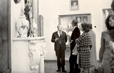Od lewej Janusz Zanoziński (Muzeum Narodowe w Warszawie), dyr. Francesco Russoli (Pinacoteca di Brera w Mediolanie), G. Martin-Mery-Taurines