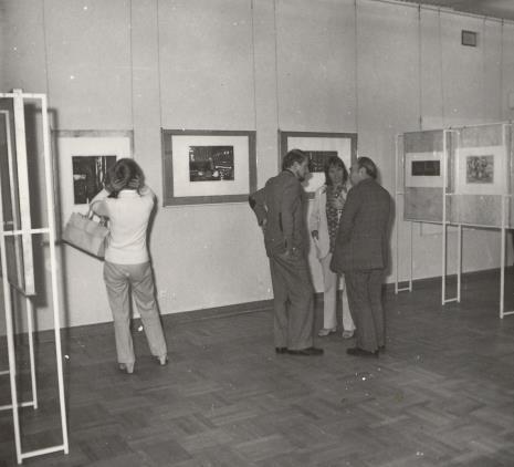 Od lewej Helmut R. Leppien (Prezes Międzynarodowego Komitetu Muzeów i Zbiorów Sztuki Nowoczesnej - ICOM, Dyrektor TPSP w Hannowerze), K. Selung i T. Grochowiak