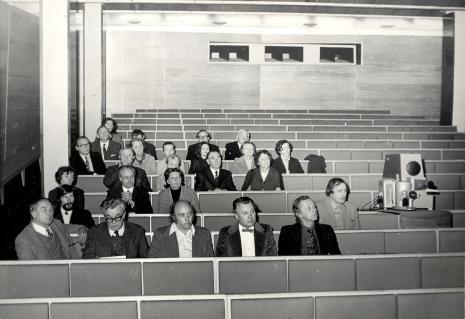 od lewej R. Graetz, Norman Pegden (wicedyrektor ICOM), K. Malinowski, P. Gaudibert, T. Messer, dyr. Francesco Russoli (Pinacoteca di Brera w Mediolanie), w drugim rzędzie Norman Pegden (wicedyrektor ICOM) i dyr. Walter Zanini (Muzeum Sztuki Współczesnej Uniwersytetu Sao Paolo)