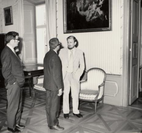 Od lewej Duncan Cameron (dyr. Brooklyn Museum w Nowym Jorku), dyr. Ryszard Stanisławski, Helmut R. Leppien (Prezes Międzynarodowego Komitetu Muzeów i Zbiorów Sztuki Nowoczesnej - ICOM, Dyrektor TPSP w Hannowerze)
