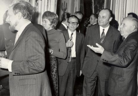 Od lewej H. Leppien, p. Selz, dyr. Ryszard Stanisławski, Minister Kultury i Sztuki Jan Kaczmarek, prof. Stanisław Lorentz