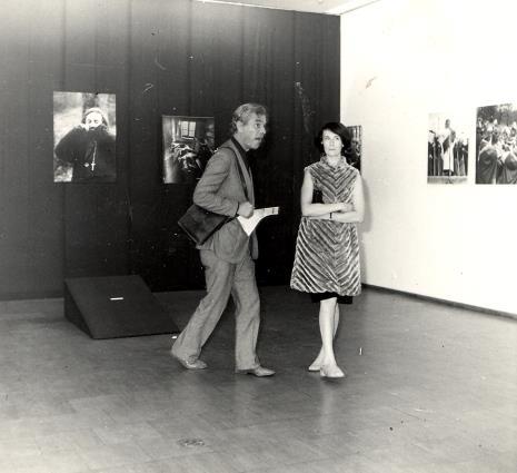 Eduard Louis Leo de Wilde (dyrektor Stedelijik Museum w Amsterdamie) i Urszula Czartoryska (Dział Fotografii i Technik Wizualnych)