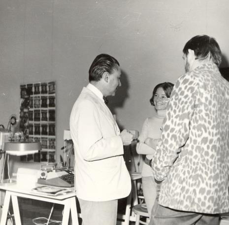 Dyr. Thomas M. Messer (dyr. The Solomon Guggenheim Museum w Nowym Jorku) w rozmowie z Janiną Pierzgalską-Tworek i Ireneuszem Pierzgalskim