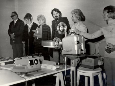 Od lewej x, Karin Berqvist Lindegren (kustosz Moderna Museet w Sztokholmie), Mireille Latour, Jerzy Treliński, Halina Zawilska (Dział Sztuki Polskiej), Janina Pierzgalska-Tworek
